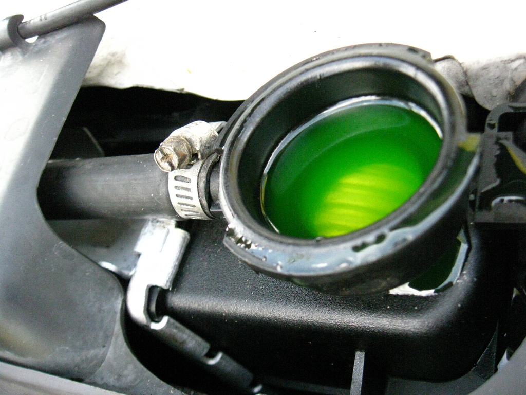 Engine Overheating [Possible Causes & Diagnostics