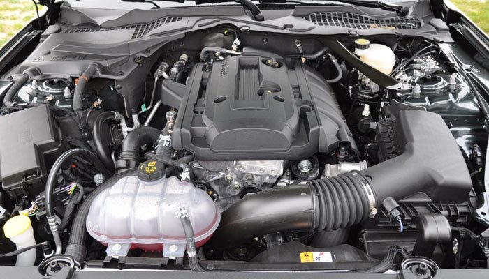 FORD MUSTANG EcoBoost engines