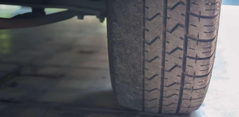 Uneven Inner Tire Wear E1609864079396