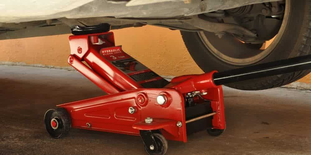 6 Best Floor Jacks for Trucks & SUVs