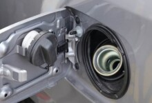 9 Symptoms of Water in Gas Tank & How to Remove it