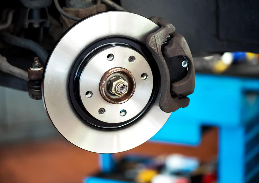 Ceramic vs Organic Brake Pads - Which one to choose?