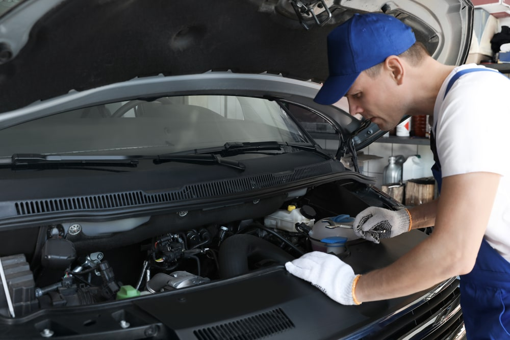 Car Issues That Can Only Be Fixed By A Mechanic