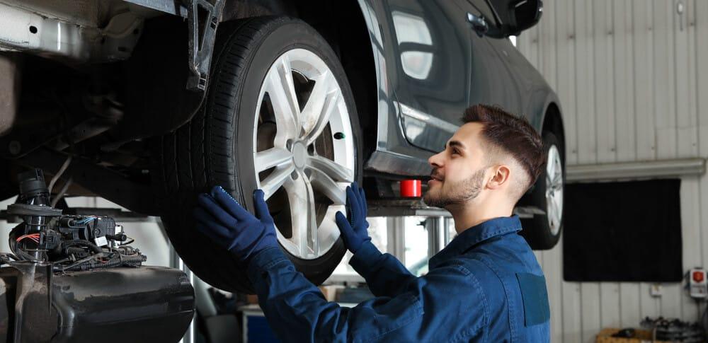 Mechanic Check Wheel Play E1609861349956