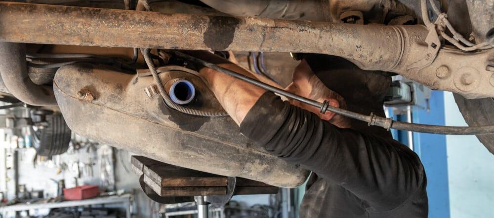 Mechanic Removes Fuel Tank
