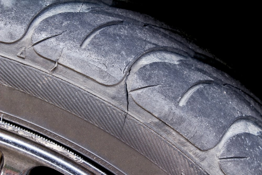 What is a Tire Sidewall Damage & When to Replace the Tire?