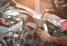 6 Symptoms of Low Transmission Fluid (Check the Level)