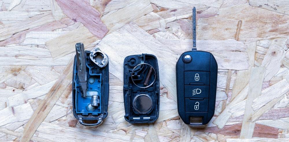 Replace Car Battery 1 E1611602983118