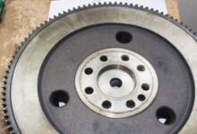 6 Symptoms of a Bad Flywheel (& Replacement Cost)