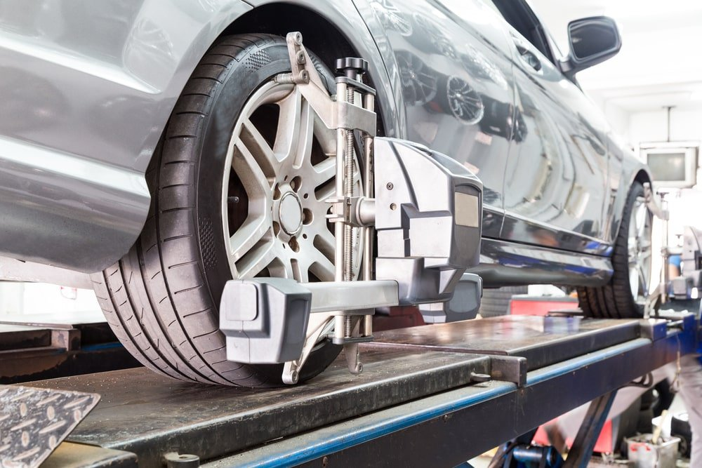 5 Symptoms of a Bad Wheel Alignment
