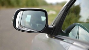 How To Fix A Side View Mirror Using Glue